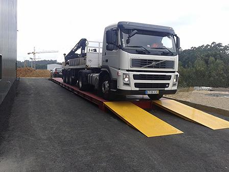 Báscula Puente PesaCamiones Sobresuelo Metálica serie BG-RODAX-ME hasta 80 Tn.